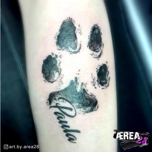 Pfotenabdruck-arm-tattoo
