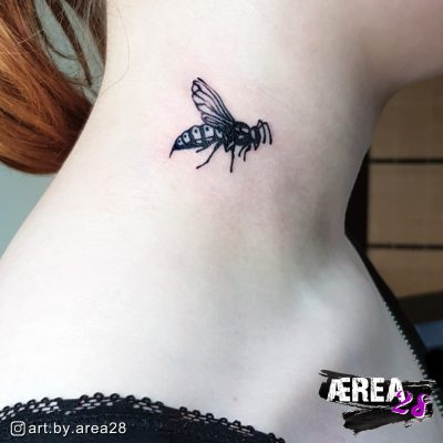 wespen-tattoo-halstattoo