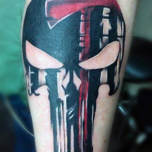Punisher_Skull_Totenkopf_Arm_Tattoo mit_Axt